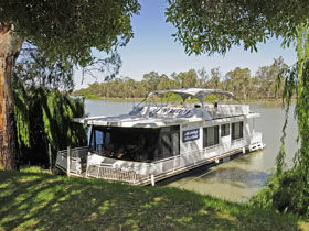 Moving Waters Self Contained Moored Houseboat - Accommodation Resorts