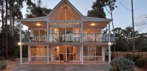 Lochani on the Bay - Accommodation Resorts